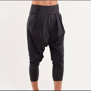 Lululemon Happy Hatha Harem Drop Crotch Pant Black